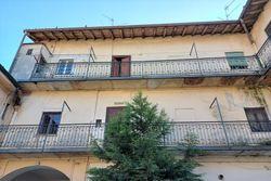 Tre abitazioni da ristrutturare in centro storico - Lotto 13325 (Asta 13325)
