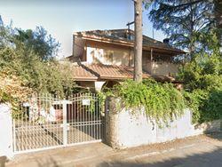Porzione di villino con ampio giardino - Lotto 13326 (Asta 13326)