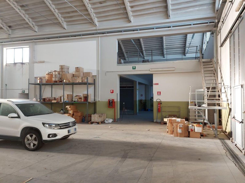 #13329 Complesso produttivo con area interna scoperta in vendita - foto 4