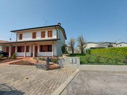 Abitazione con garage in villetta bifamiliare - Lotto 13349 (Asta 13349)