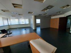 Ufficio con posti auto in complesso residenziale - Lotto 13363 (Asta 13363)