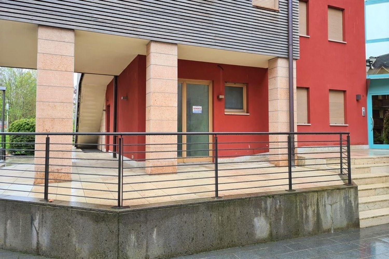 #13383 Locale commerciale con terrazzino esclusivo in vendita - foto 3