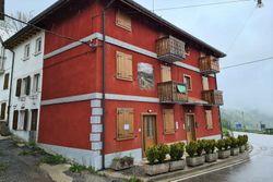 Appartamento su tre piani e quota di terreno - Lotto 13388 (Asta 13388)