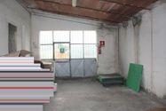 Immagine n2 - Edificio industriale e porzione di vigneto - Asta 1351