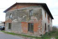 Immagine n0 - Edificio con uffici e locali residenziali - Asta 1352
