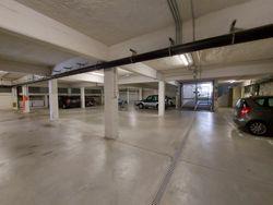 Due posti auto in complesso residenziale