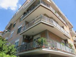 100% Quote societarie di 5 appartamenti 1 magazzino 1 garage e 1 posto barca - Lotto 13557 (Asta 13557)