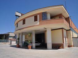 Opificio con annesso appartamento e impianto fotovoltaico
