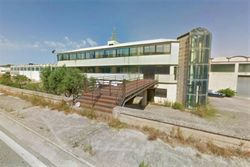 Craft complex with office building - Lot 13589 (Auction 13589)