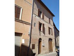 Appartamento con cantina - Lotto 13597 (Asta 13597)