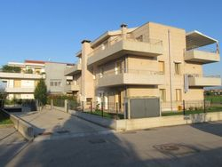 One bedroom apartment with terrace and garage - Lot 1370 (Auction 1370)