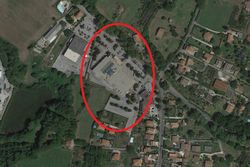 Warehouse in shopping center   Lot    - Lot 13744 (Auction 13744)