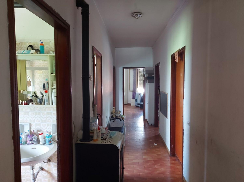 #13751 Locale commerciale con appartamento e ampia corte in vendita - foto 11