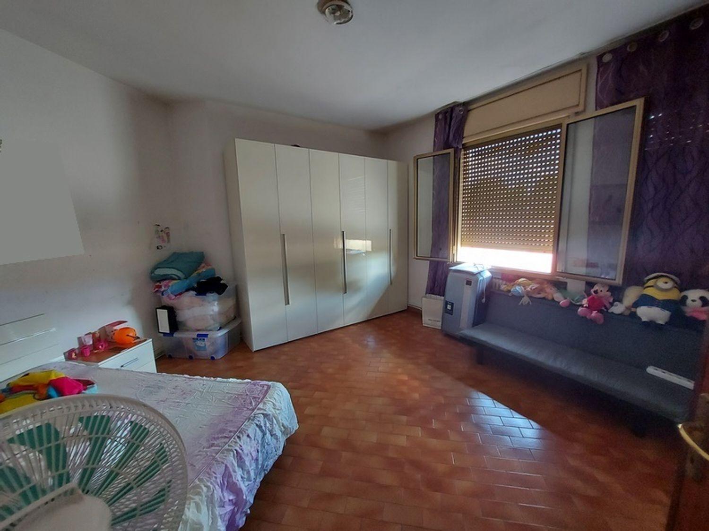 #13751 Locale commerciale con appartamento e ampia corte in vendita - foto 12