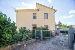 Appartamento con garage, cantina e corte esclusiva - Lotto 13853 (Asta 13853)