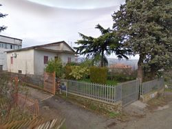 Residential building, warehouse and agricultural land - Lot 13892 (Auction 13892)