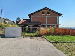 Unfinished single family villa with exclusive courtyard - Lot 13924 (Auction 13924)