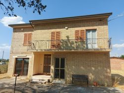 Residential building with appurtenances and agricultural land - Lot 14030 (Auction 14030)