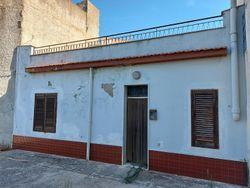 Abitazione in centro storico con servizi e garage - Lotto 14075 (Asta 14075)