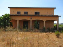 Villetta indipendente uso ufficio con ampio terreno uso deposito - Lotto 14182 (Asta 14182)