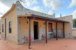 Villa indipendente con lastrico e cortile privato