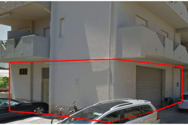#14512 Magazzino con ufficio e corte interna in vendita - foto 1