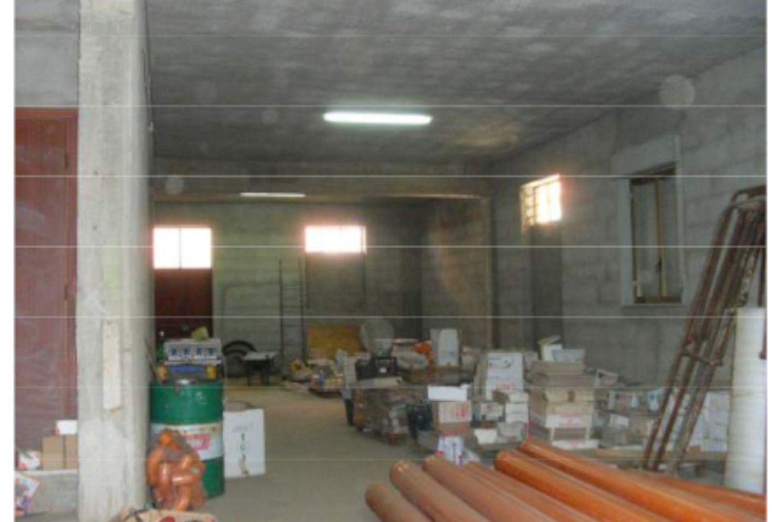 #14512 Magazzino con ufficio e corte interna in vendita - foto 3