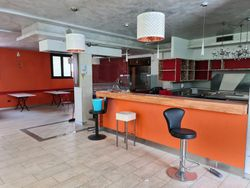 Bar shop with exclusive courtyard - Lot 14550 (Auction 14550)