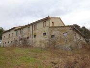Immagine n1 - Casa colonica con annessi agricoli - Asta 1522