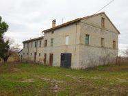 Immagine n3 - Casa colonica con annessi agricoli - Asta 1522