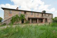Immagine n0 - Building farmhouse with pool - Asta 1531