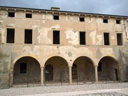 Ex casa dominicale da ristrutturare