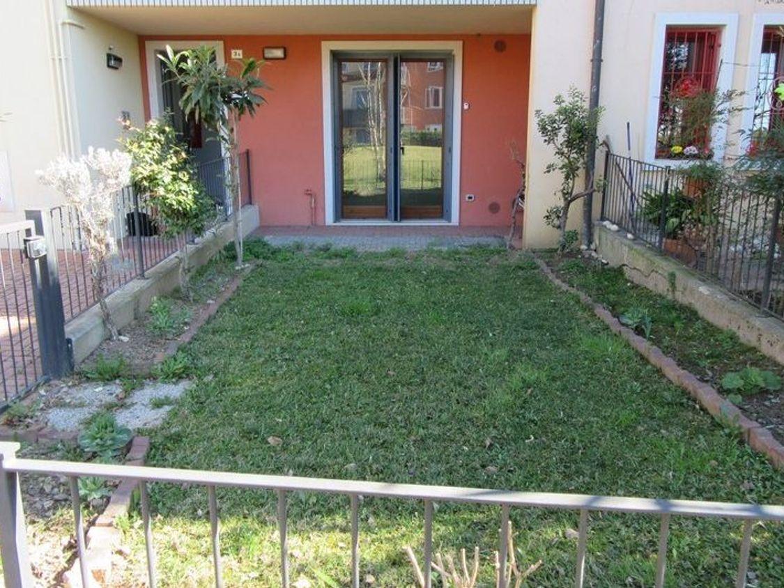 Asta 1605 Appartamento Al Piano Terra Sub 5 Con Giardino Real