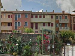 Appartamento al piano secondo (sub 27) e box auto - Lotto 1613 (Asta 1613)