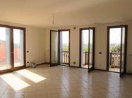 Immagine n0 - Appartamento al piano secondo (sub 29) e box auto - Asta 1614