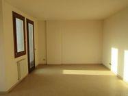 Immagine n0 - Appartamento al piano secondo (sub 20) e box auto - Asta 1628