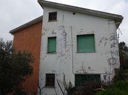 Immagine n2 - Casa unifamiliare con area urbana e terreno - Asta 1674