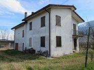 Immagine n0 - Casa indipendente con vigneti - Asta 1707