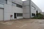 Immagine n0 - Industrial warehouse with office and courtyard - Asta 1796