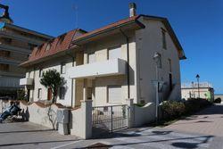 Appartamento con spiaggia privata - Lotto 1903 (Asta 1903)