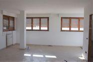 Immagine n0 - Monolocale al piano terzo di complesso produttivo - Asta 2010