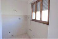 Immagine n1 - Monolocale al piano terzo di complesso produttivo - Asta 2010