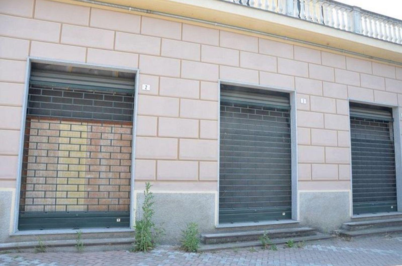 #2033 Negozio grezzo (subalterno 65) al piano terra in vendita - foto 4