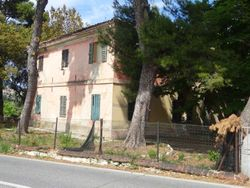 Villa with agricultural land - Lot 2041 (Auction 2041)