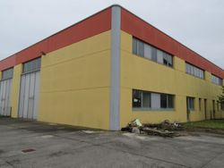 Warehouse and offices with residence in the rough - Lot 2140 (Auction 2140)