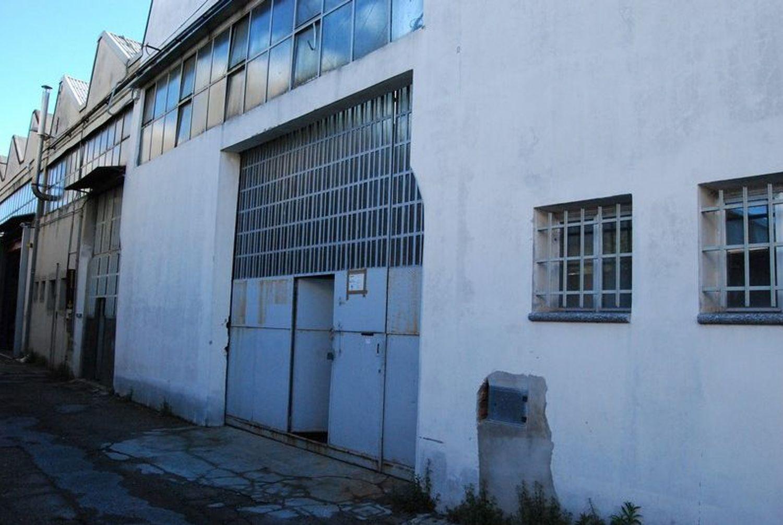 #2152 Laboratorio con uffici