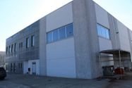 Immagine n0 - Warehouse with private courtyard - Asta 2155