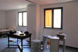 Ufficio al secondo piano con posto auto  sub      - Lot 2198 (Auction 2198)