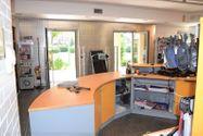 Immagine n1 - Shop (part 1) with basement storage - Asta 2226