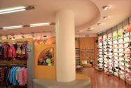 Immagine n3 - Shop (part 1) with basement storage - Asta 2226